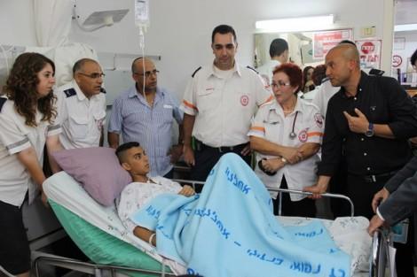 From R-second, Naomi Zvi, Einav Asulin, Avinoa Levi with injured son Yarin-Photo MDA