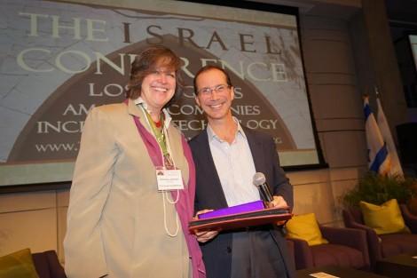 Sahrona with Bill Gross CEO Idealab-Photo Orly Halevy