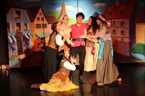 Gaston and his adoring fans... Photo credit: Laura Ben-David