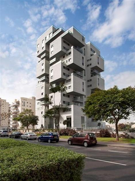 Cube Tower, Holon -- on Ynet's best-of-2014 list