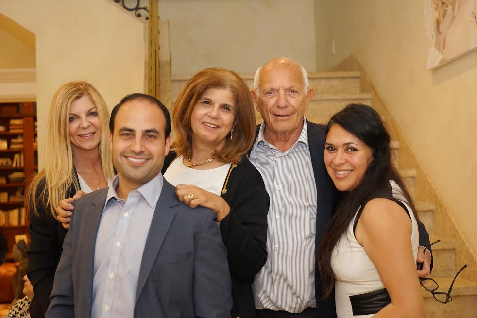 L-Guest Malka Winshman, Dr. Ben Talei, Photographer and guest Orly Halevy, Host Sam Delug and Denise Montellano, Mr. Delug right hand person-Photo Orly Halevy