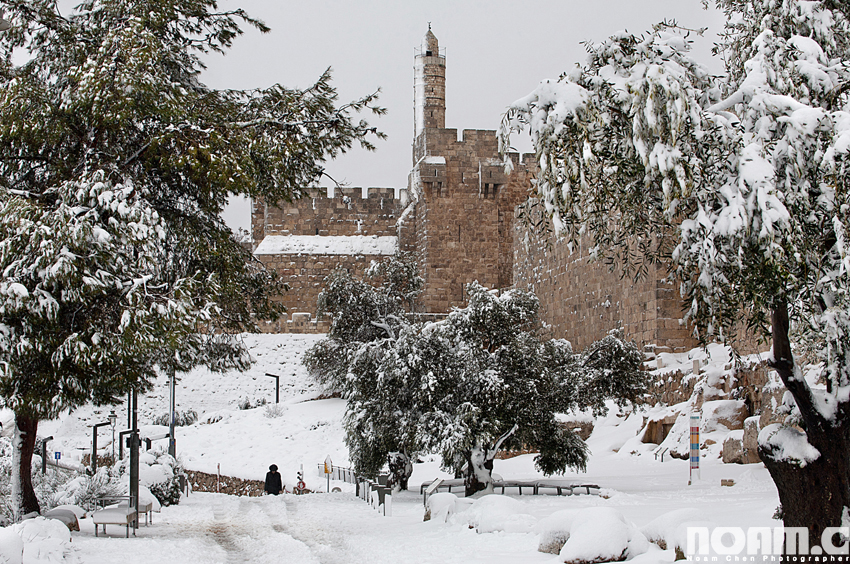 snowy-tower-of-david-jerusalem
