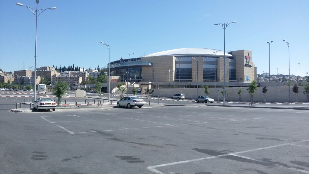 arena with parking_resized_1