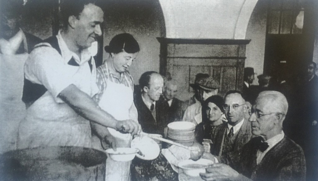Food services for refugees just arrived in Shanghai (Photo Credit: CC - BY Shanghai Jewish Refugees Museum)