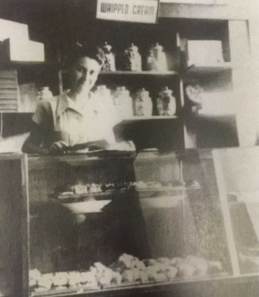 The whipped cream made by Cafe Louis on Ward Road was very famous (Photo Credit: Horst Eisfelder, Shanghai Jewish Refugees Museum)