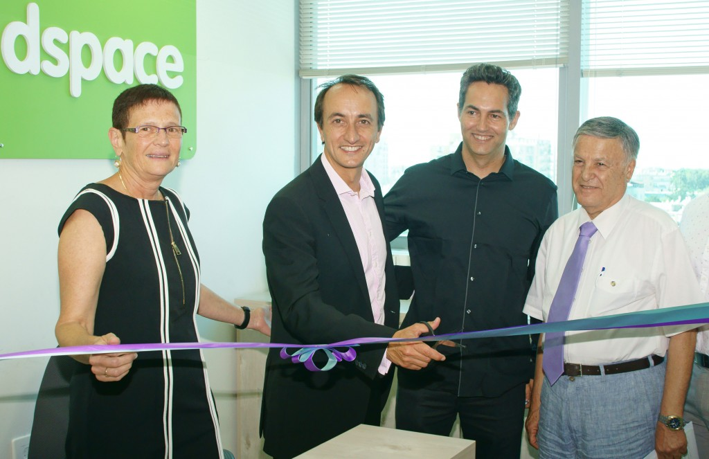 Opening event at the Headspace clinic, Bat Yam. Left to right: Dr. Hilla Hadas, CEO of Enosh, The Israeli Mental health Association; Australian ambassador to Israel Dave Sharma; Eyal Brener, Headspace Israel Clinical director; Yoram Cohen,  Chairman of Enosh, June 2015 (Photo: courtesy Australian embassy in Israel)