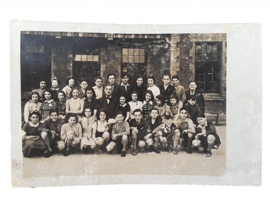 young mother of Mrs. Judy, Helga Broh (second row from back, first from L.) with pupils of the Shanghai Jewish School (Photo Credit: Xinyao Chen, Chinese Jewish Cultural Foundation)