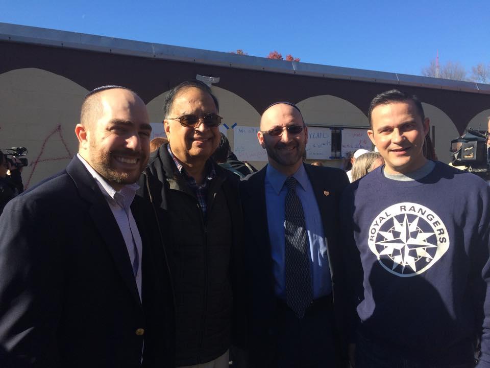 photo of Lexington Interfaith Clergy Assn. members supporting Burlington Mosque 2015