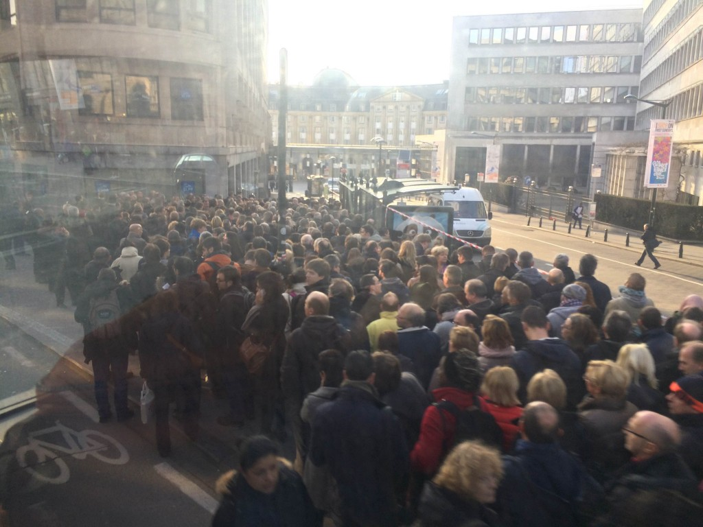 Belgians waiting for the public transportation to work again