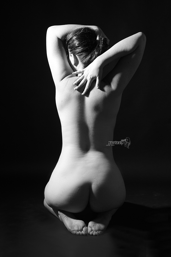 Nude art by Nofar Horovitz