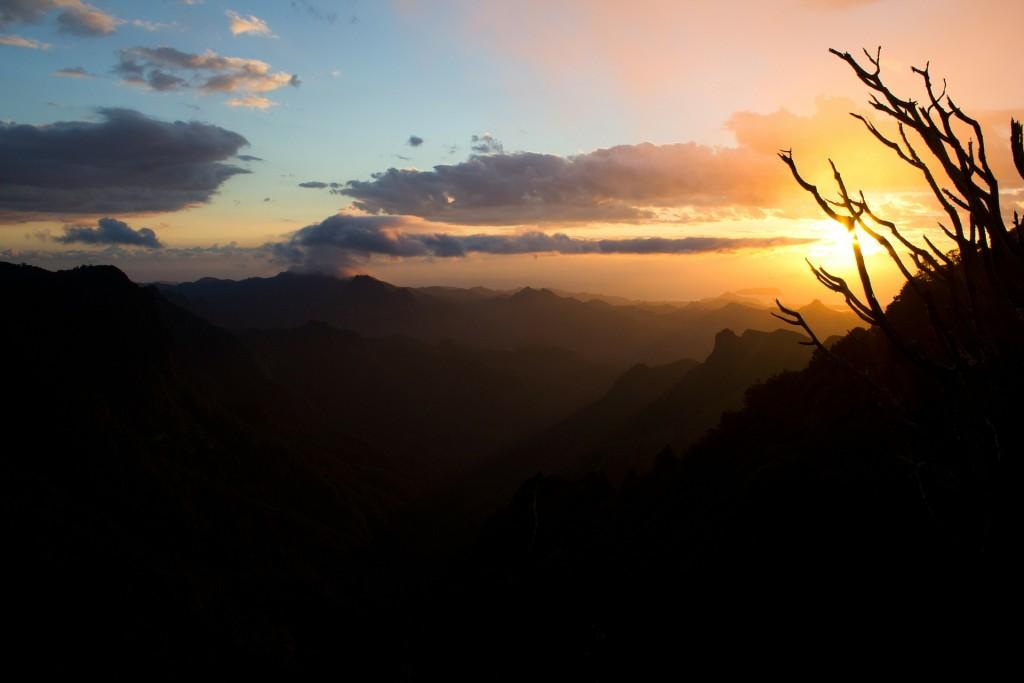sunset-74907_1920