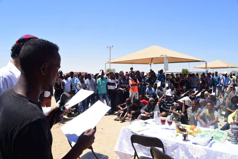 Freedom seder at Holot with African asylum seekers, April 15 2016