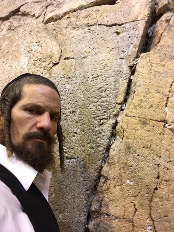 Rabbi Yom Tov Glaser at the Kotel.