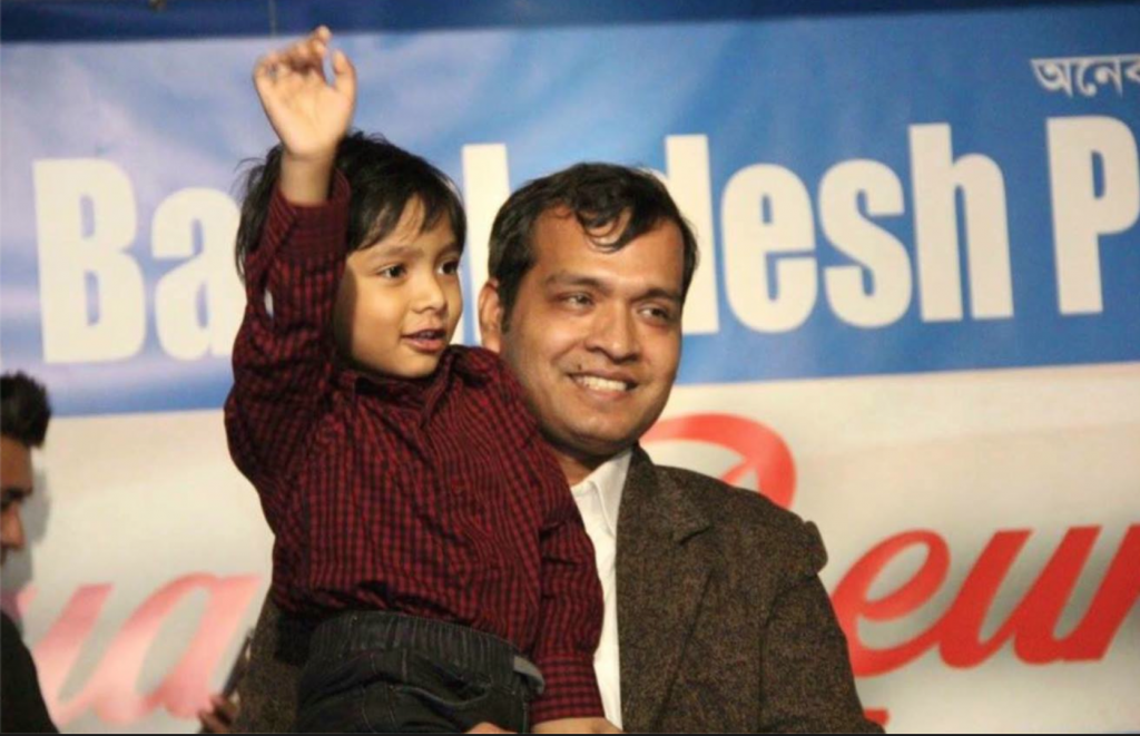 On behalf of the reception community , Zahid Rahman, editor of NewsBDUS, escorted Isaac to the stage.