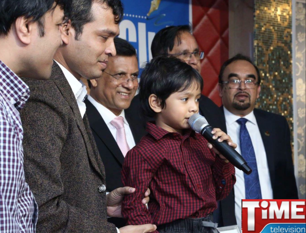 After his successful problem-solving, the 4 year old was invited to give his speech.