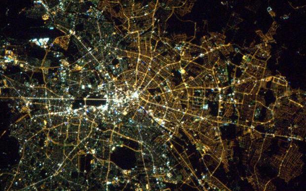 03 Berlin at Night