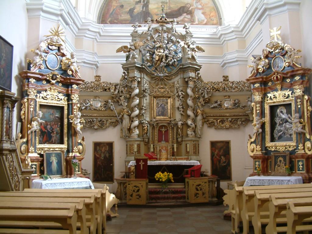 Kościół_Najświętszej_Krwi_Pana_Jezusa_wnętrze_Poznań_RB1