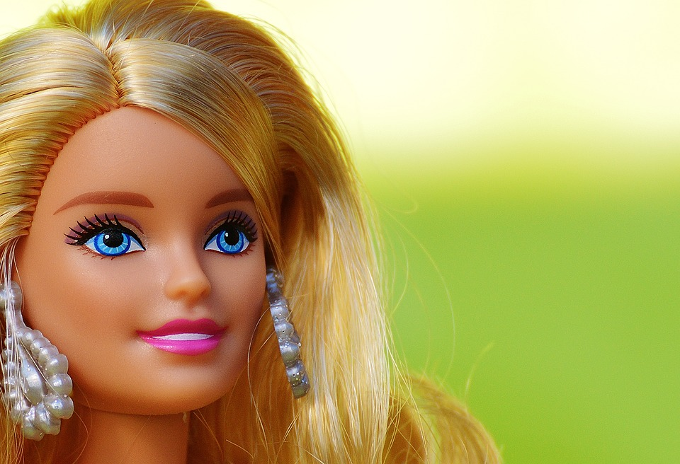 Barbie: the embodiment of the western ideal of female beauty. picture from pixabay