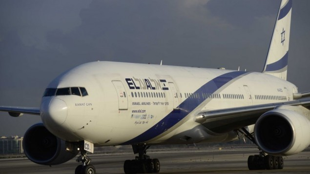 An El Al airline plane at the Tel Aviv's Ben Gurion Airport-Tomer Neuberg-Flash90