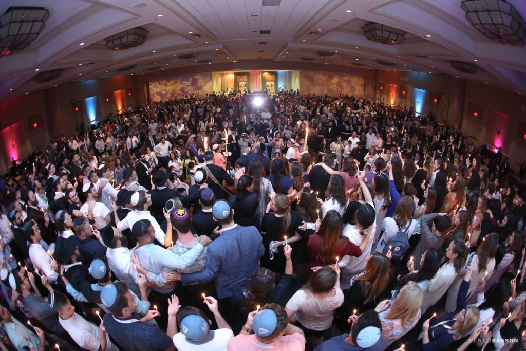 National Jewish Retreat attendees participate in a Havdalah ceremony.
