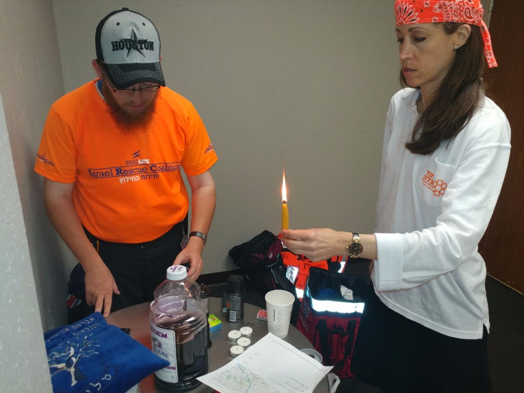 Celebrating Shabbat in the airport, IRC and UH team members continue helping people throughout the day.