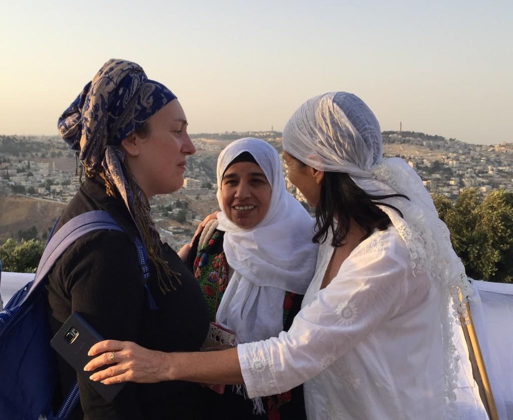 Women Wage Peace – נשים עושות שלום -- نساء يصنعن السلام on the Hass Promenade (Shira Pasternak Be'eri)