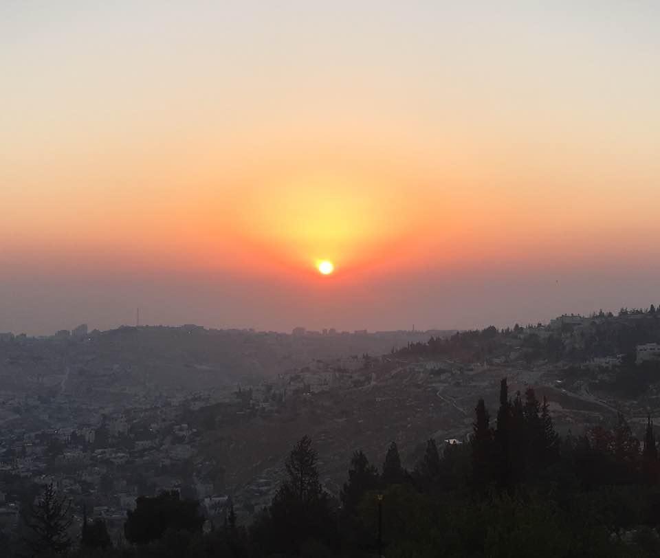 Sunrise at the Tayelet (Meir Charash, Facebook)