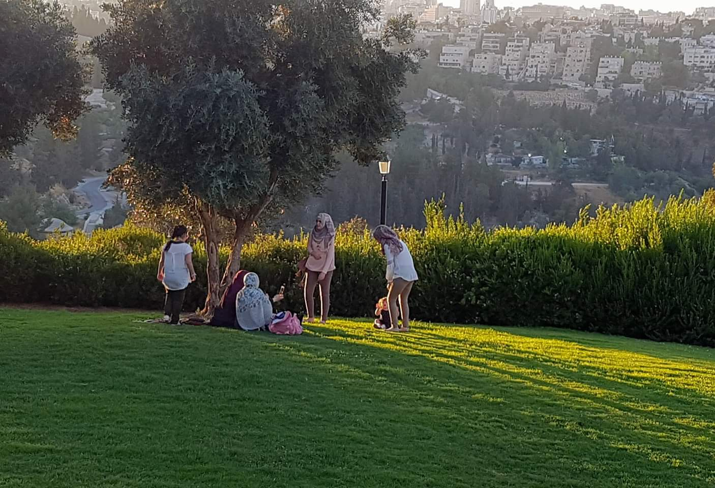 Picnic at the promenade (Courtesy: Karyn Stiefel Blass)