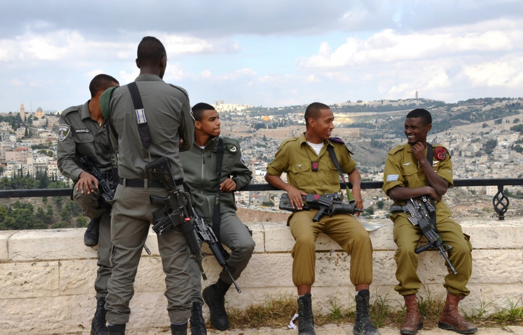 Ethiopian Israeli soldiers at the Tayelet on the day of the Sigd festival (Courtesy: Sharon Marks Altshul, The Real Jerusalem Streets www.rjstreets.com)