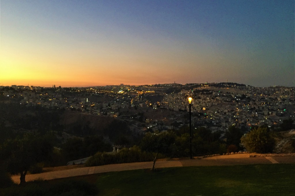 Night falls at the promenade of gold (Shira Pasternak Be'eri)