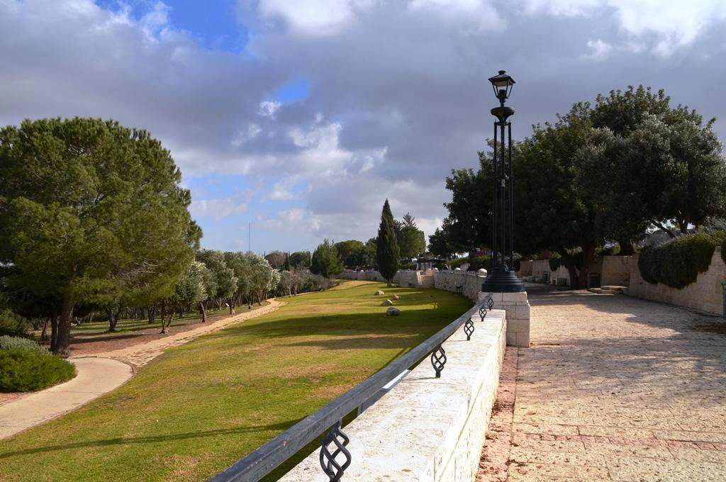 The Haas Promenade (Courtesy: Sharon Marks Altshul, The Real Jerusalem Streets)