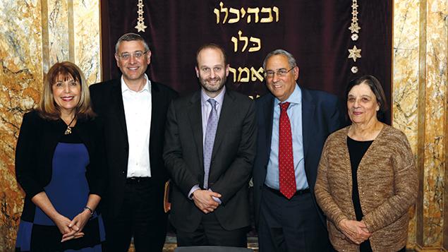 From left, Ann Baidack Pava, Rabbi Benny Lau, Rabbi Chaim Steinmetz, Dr. Steven Bayme, and Blu Greenberg spoke at Kehilat Jeshurun for Porat. (Jay Bar-David)