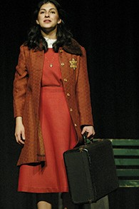 Cal-02-V-HEART-Anne-with-suitcase