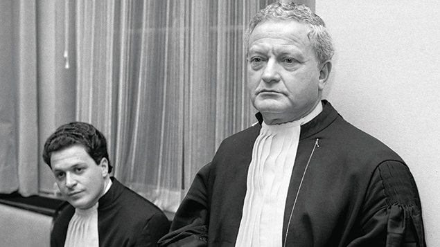 Max Moszkowicz, right, with his son Bram in court in Amsterdam in 1987.