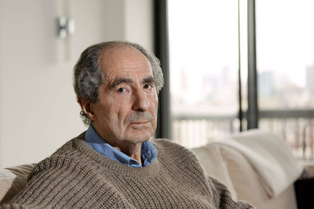 Philip Roth posing in his New York City apartment, May 19, 2011. (Julian Hibbard/Getty Images)