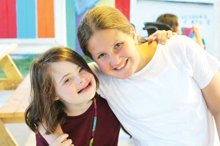Yachad participants have fun with other kids.