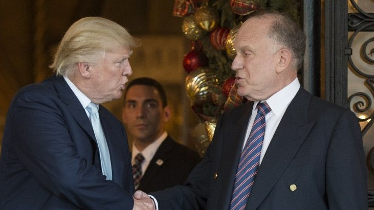 Donald Trump shakes hands with Ronald Lauder, President of the World Jewish Congress, after a meeting on December 28, 2016 at Mar-a-Lago in Palm Beach, Florida. (AFP/DON EMMERT)