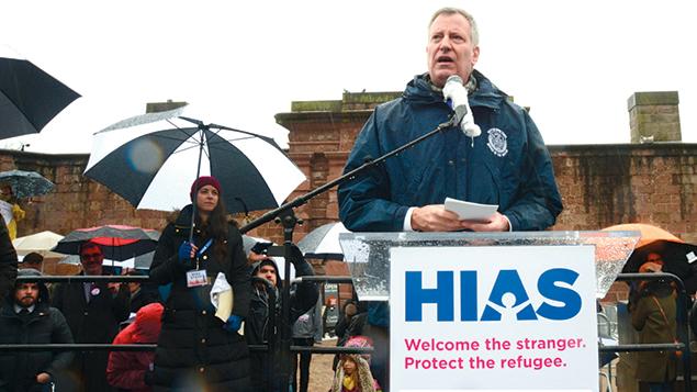 New York City's Mayor Bill de Blasio speaks at the HIAS rally in Manhattan on February 12. (Gili Getz)