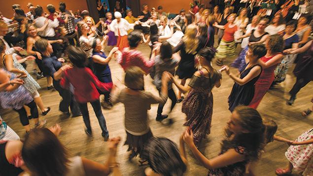A3-L-Dancing-at-Yiddish-Summer-Weimar,-photo;-Felikss_Livschits