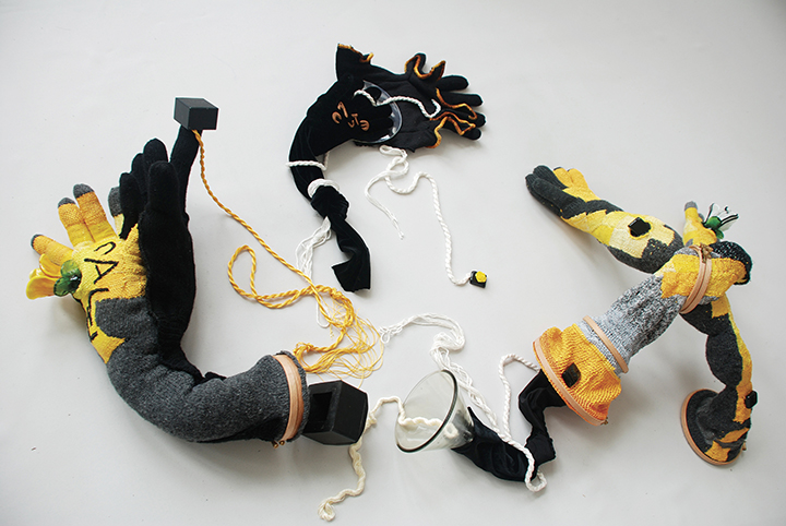 Billha Zussman, Espinosa. This installation piece, inspired by Baruch Spinoza, deals with defining Jewishness and breaking boundaries. The pair of tied hands represents the entangled relationship between old and new.