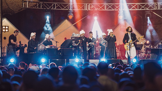 Shye Ben-Tzur and the Rajasthan Express perform at this year's Krakow Jewish Culture Festival. Photos by Michal Ramuz/Krakow Jewish Culture Festival)