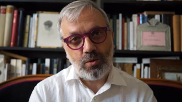 Jean-Christophe Attias est aujourd'hui unspécialiste dujudaïsme médiéval (Crédit: capture d'écran Youtube/Maire Chaville)