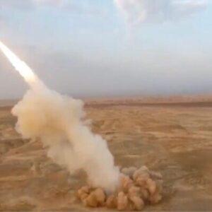 برای اولین بار طی رزمایش، ایران از قعر زمین موشک بالستیک شلیک کرد